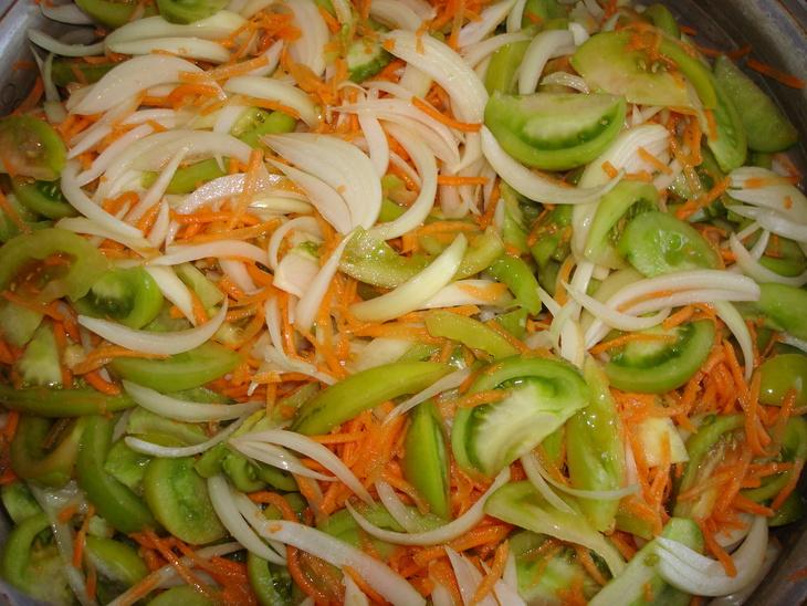 Как сделать зимний салат из зеленых помидор