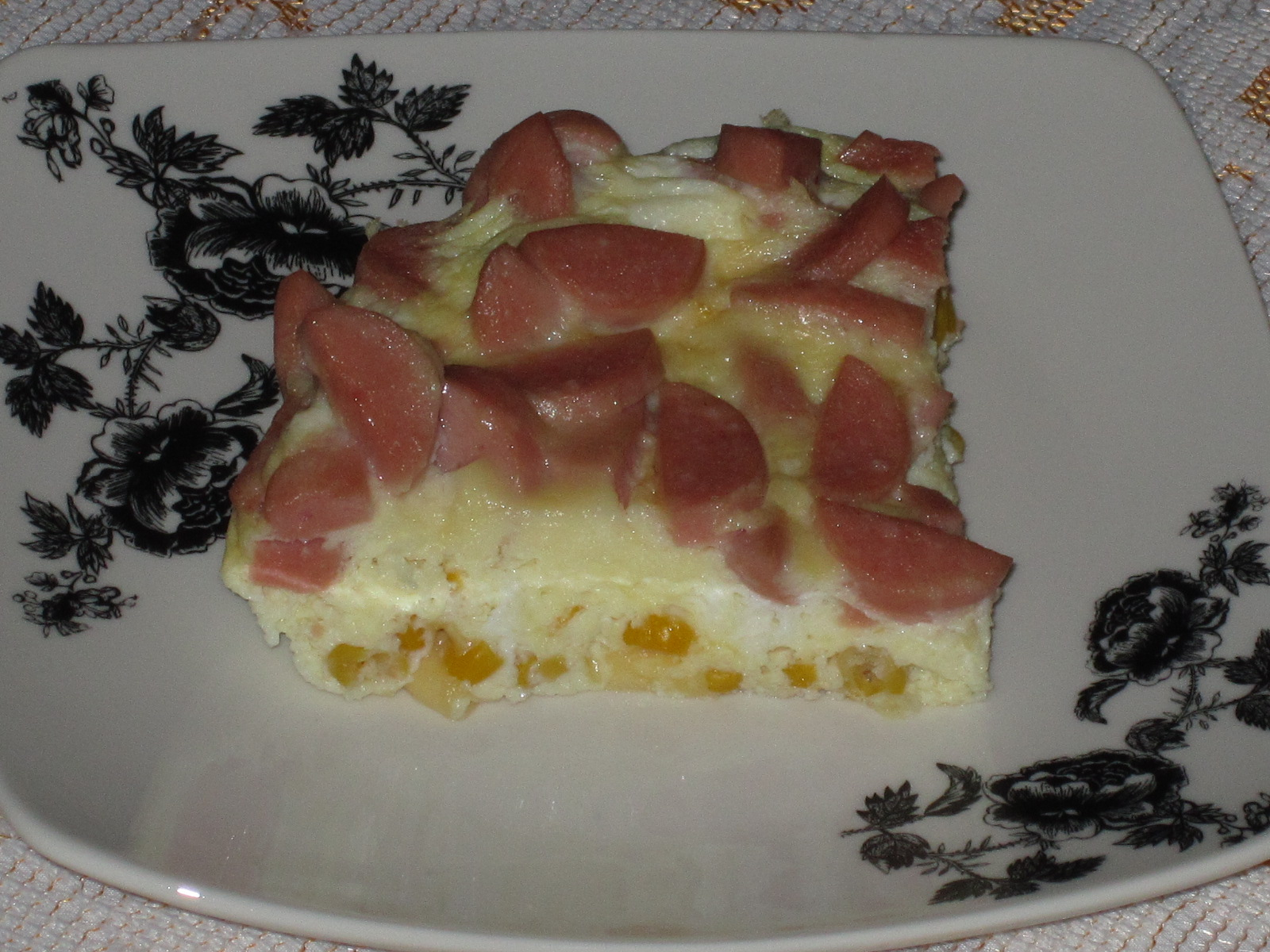 omlet-v-mikrovolnovke-s-kolbasoj