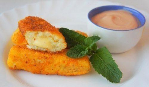 Картофельные палочки с сыром