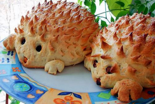 Пирожки с мясом в виде ежиков