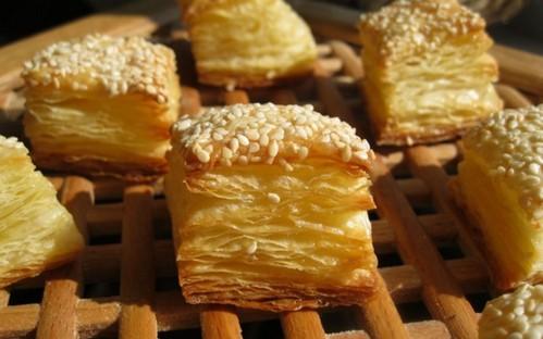 Слоеное тесто с сыром