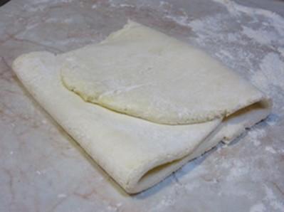 Слоеное сырное тесто