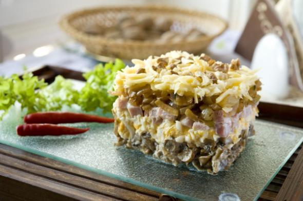 Боярский салат с бужениной рецепт