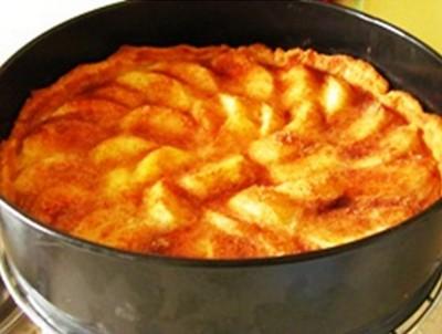 Яблочный пирог со сливочным кремом