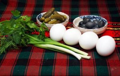 салат с яйцами