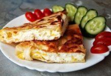 recept-yaichnicy-s-syrom