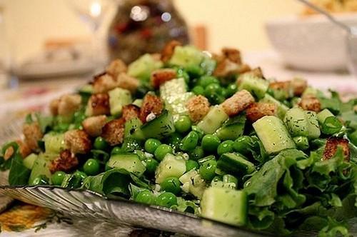 salat-iz-zelenogo-goroshka