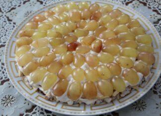 recept-salata-s-kopchenoj-grudkoj